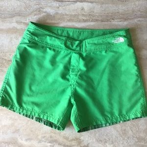 The North Face Reversible Green Size 8 Shorts